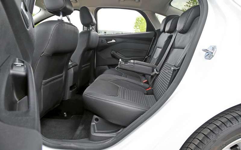 Задние сиденья Ford Focus