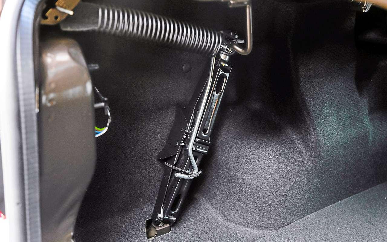 Большой тест обновленных бюджетников: Лада Гранта против Renault Logan— фото 914258