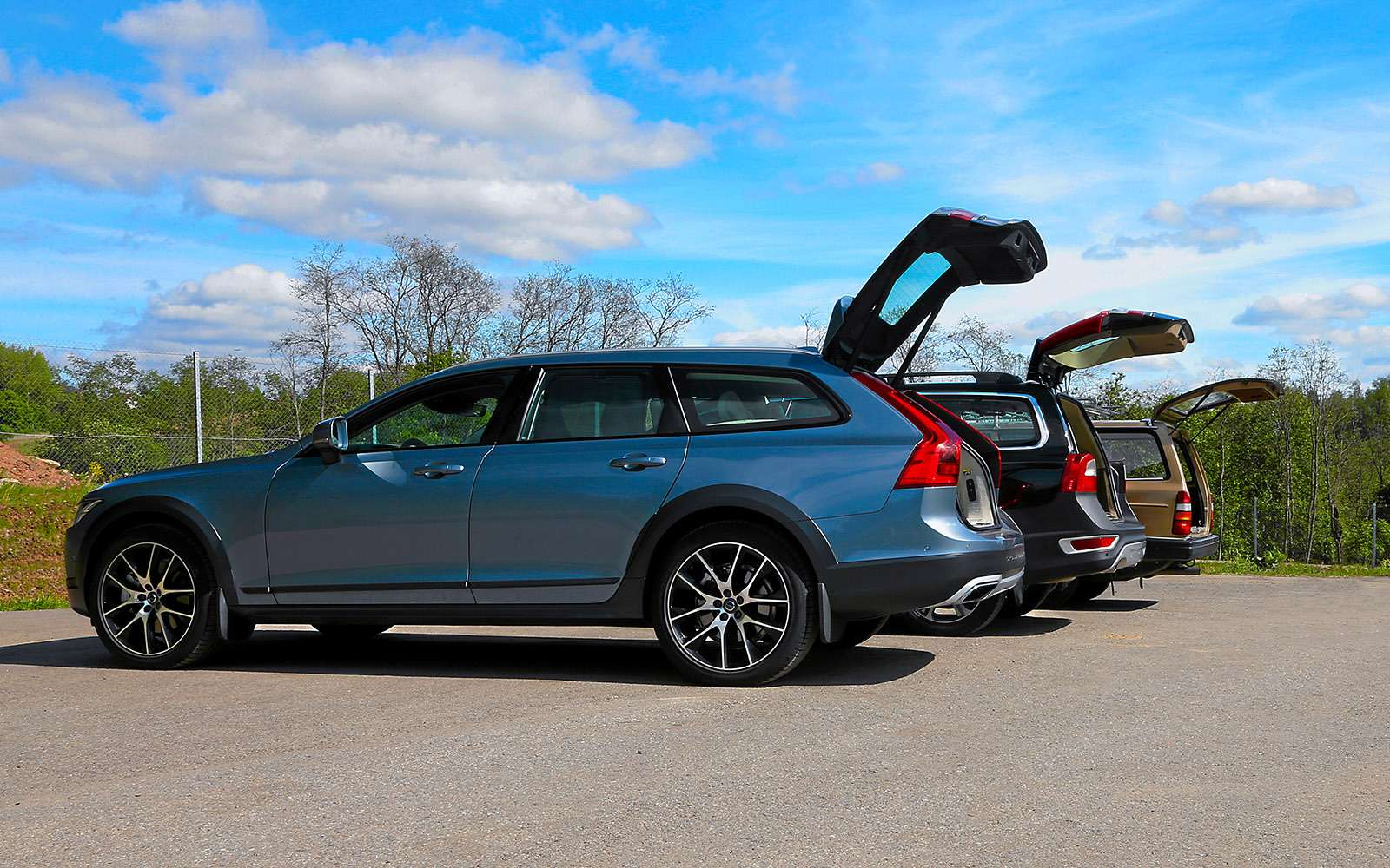 Шведская династия: Volvo V90 Cross Country нафоне предков— фото 776473