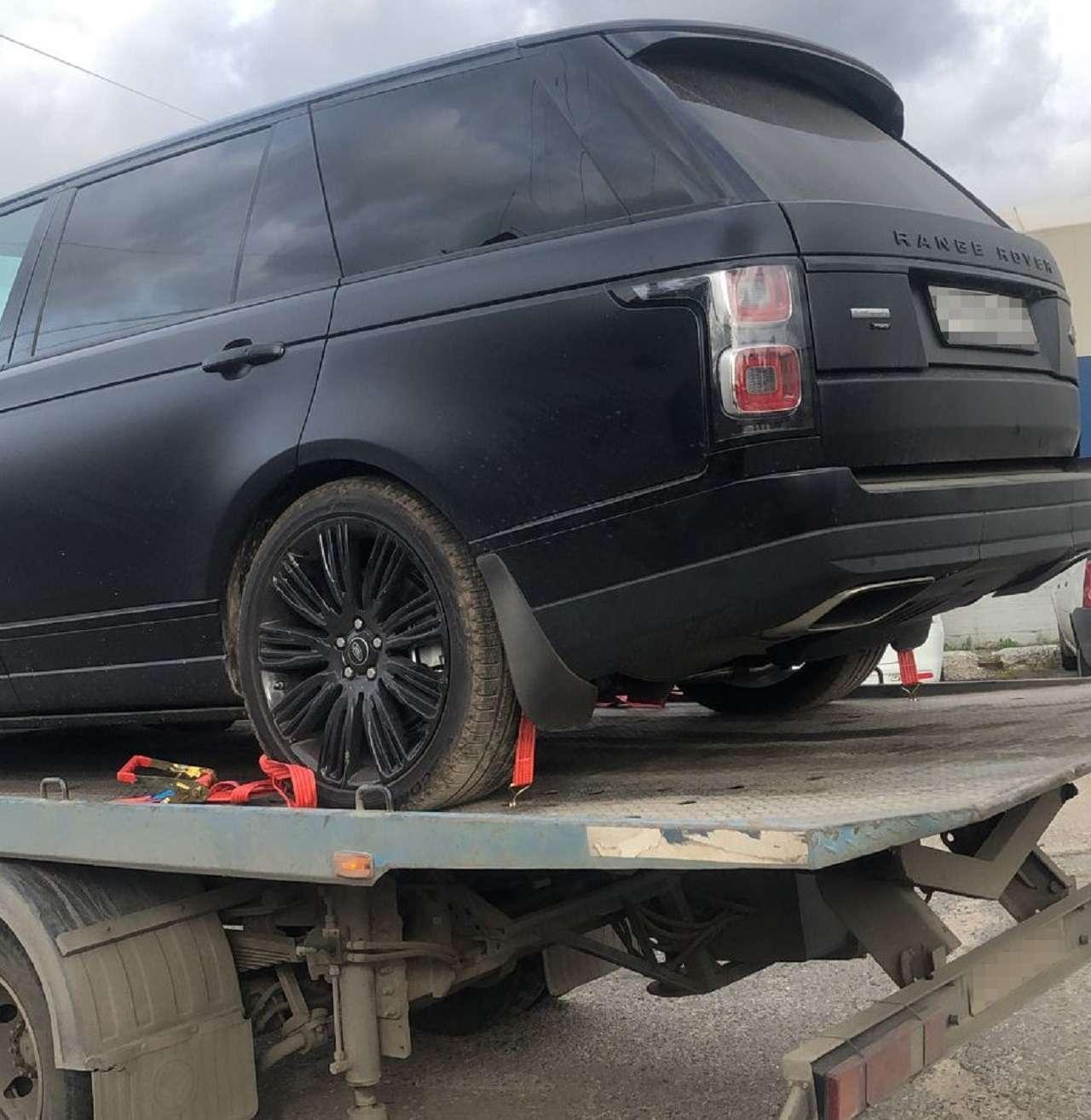 Куда попадают угнанные машины: история одного Range Rover