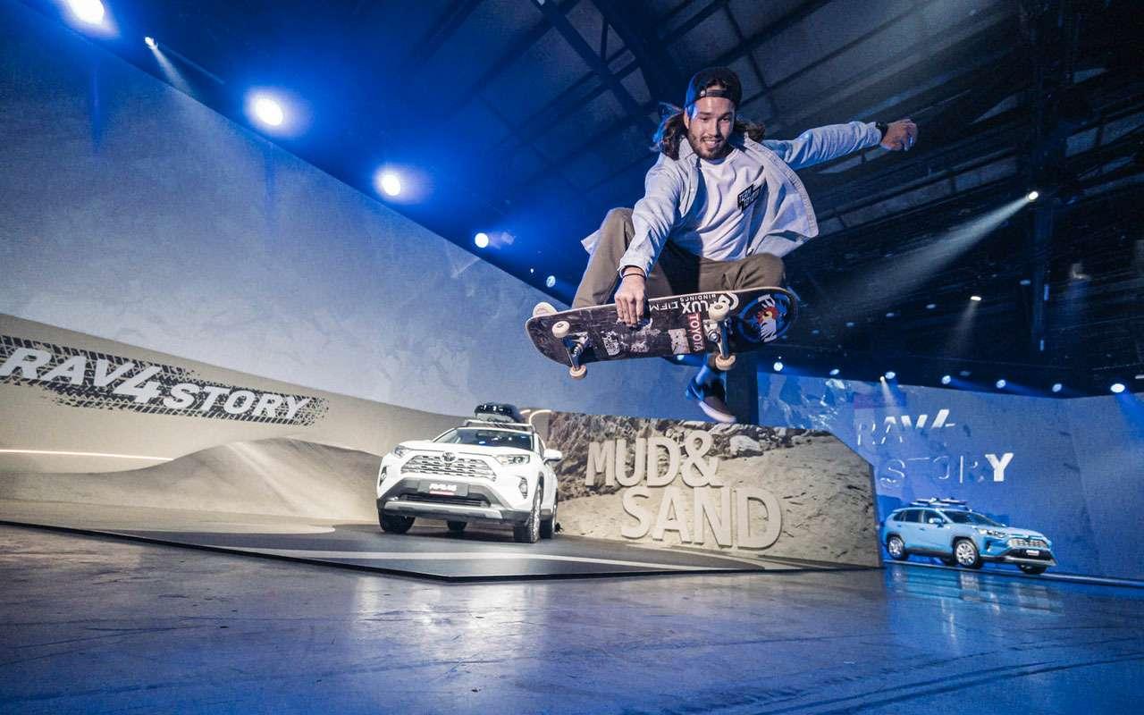 Toyota представила RAV4: онедет надвух колесах!— фото 1010704