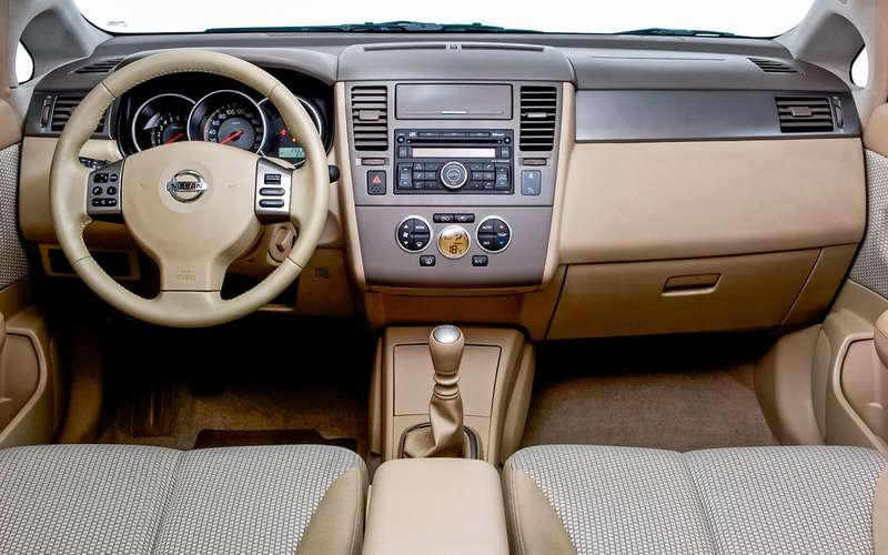 Nissan Tiida (2004-2013): все «за», «против» ипридирки