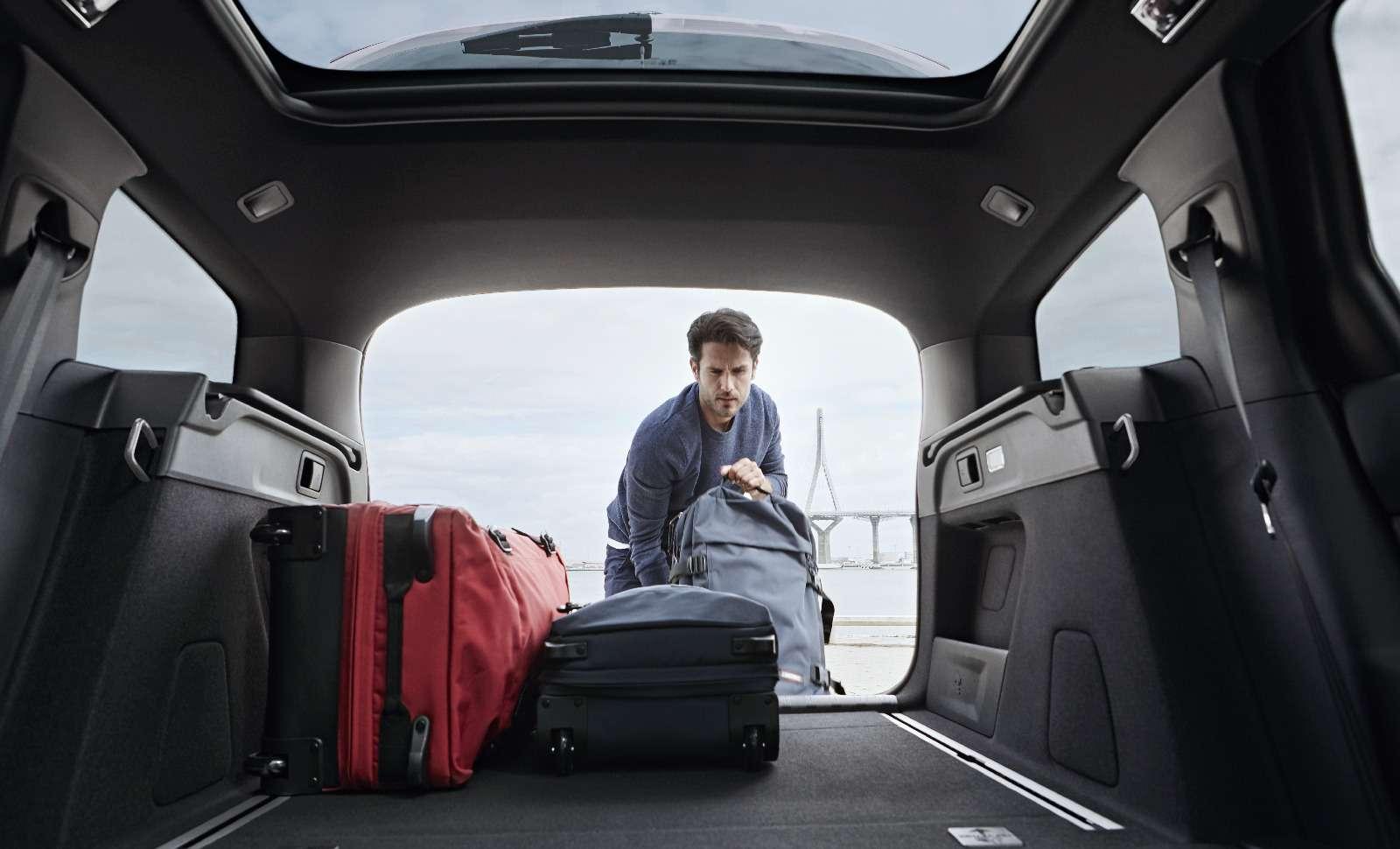Обновленный Peugeot 308: чище некуда!— фото 759670