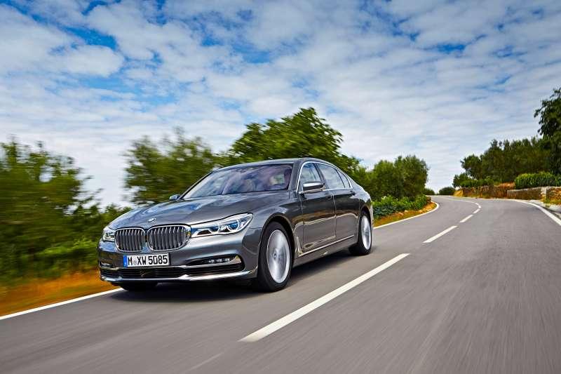 00-BMW7_zr-11_15-HDR