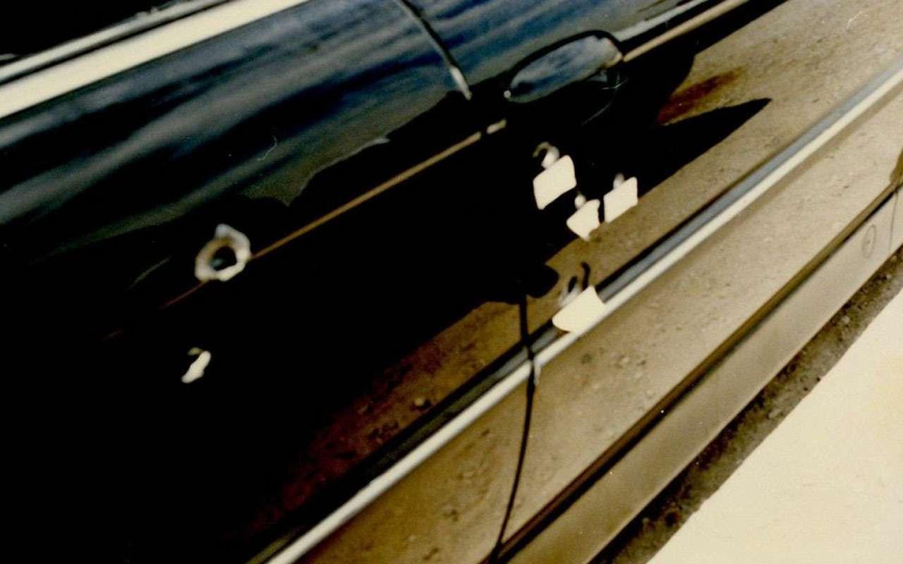BMWзастреленного Тупака никак не продадут— все дело вдырках— фото 1059705