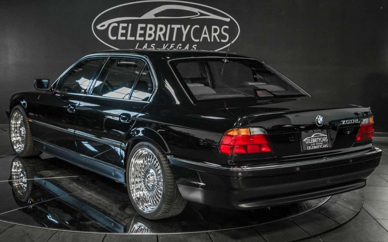 BMWзастреленного Тупака никак непродадут— все дело вдырках— фото 1059704