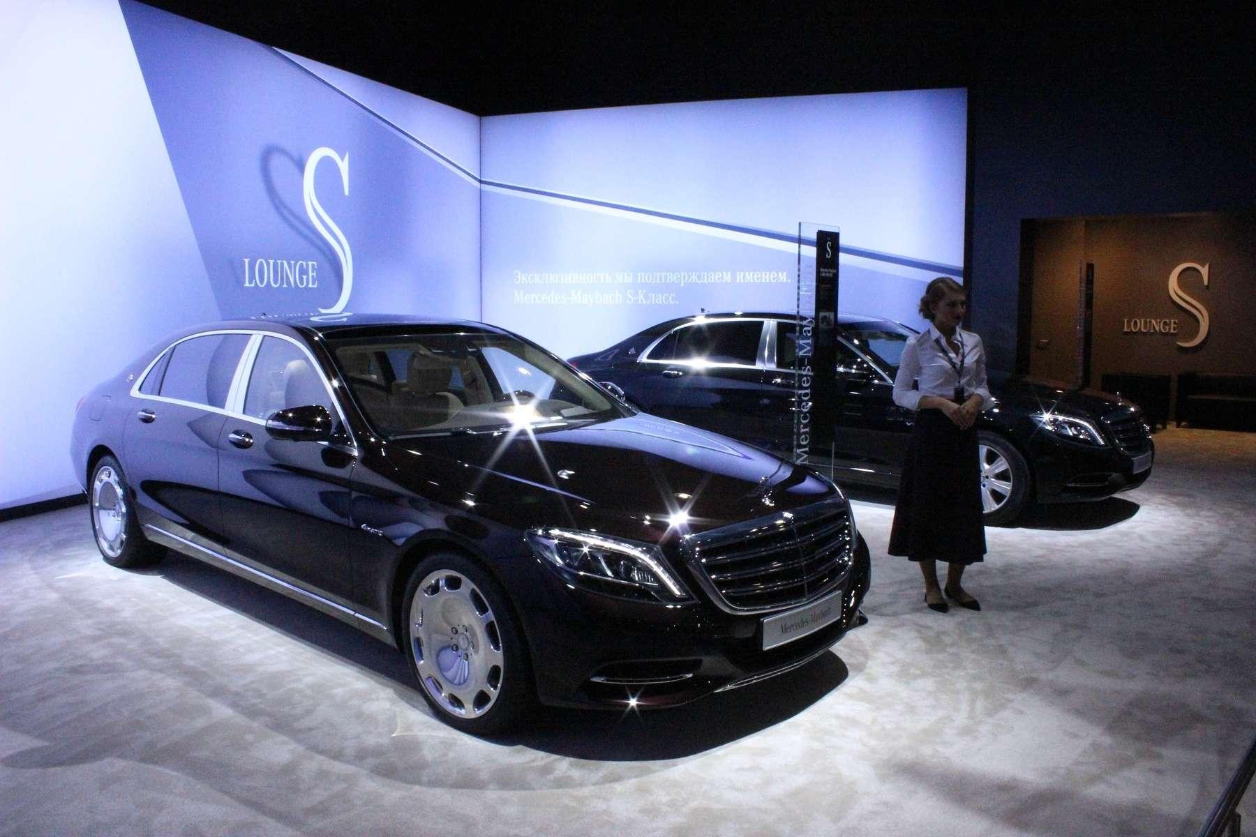 Стенд или шоу-рум: Mercedes-Benz E-класса ивсе-все— фото 624465