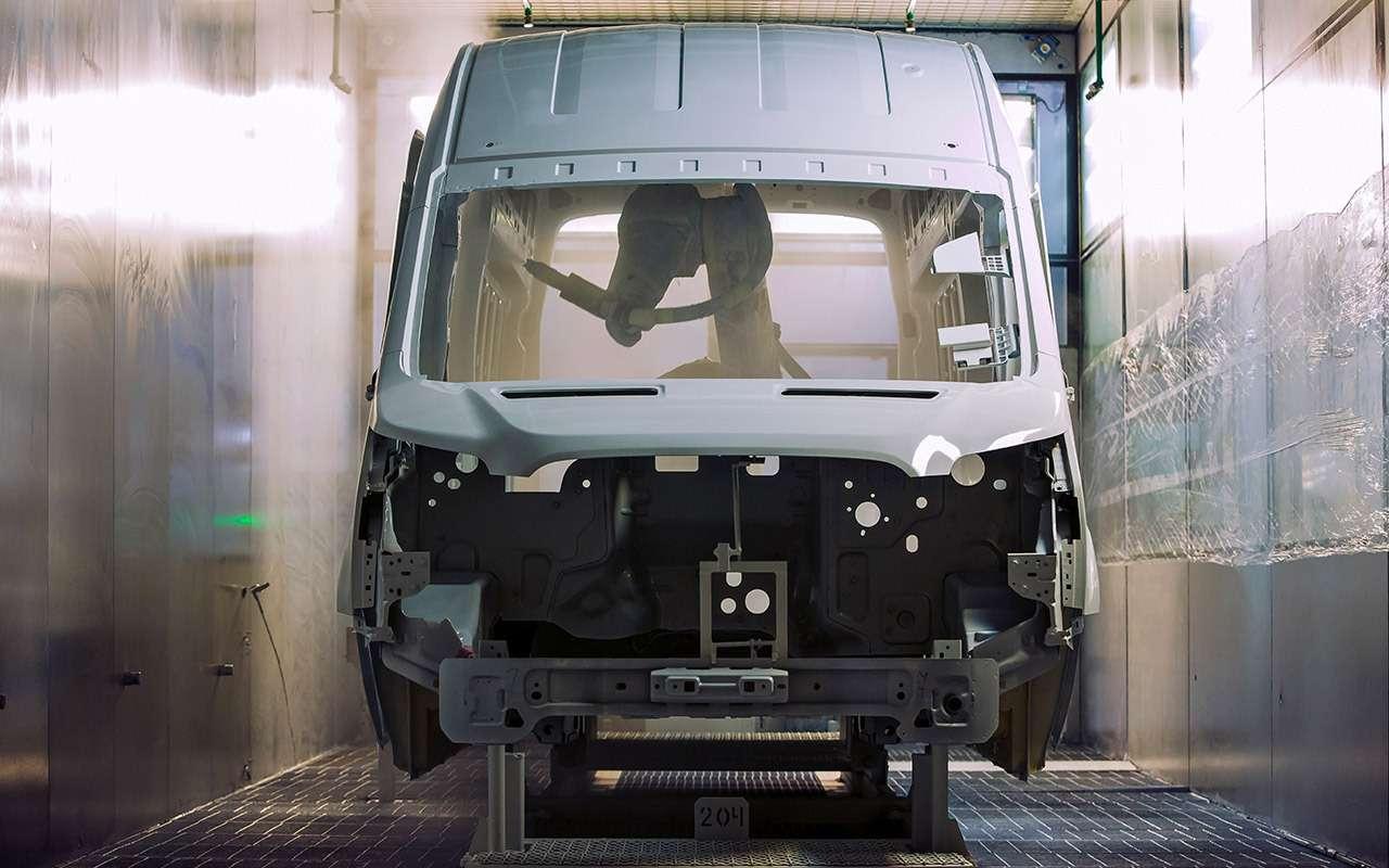 Каксобирают российские Ford Transit— репортаж сзавода— фото 888036