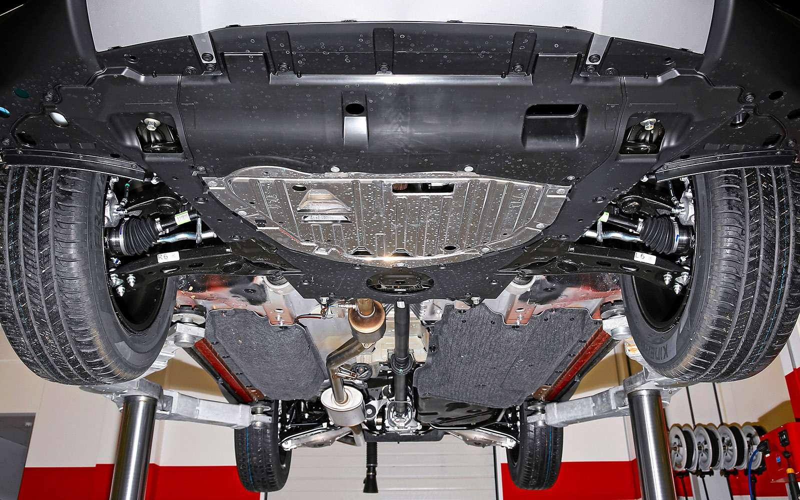 Заглядываем подюбку новой Хонде CR-V— фото 695109