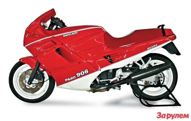 В отличие оттяжеловесных «немцев» итальянский Ducati Paso отличается наредкость чистыми игармоничными формами облицовок.