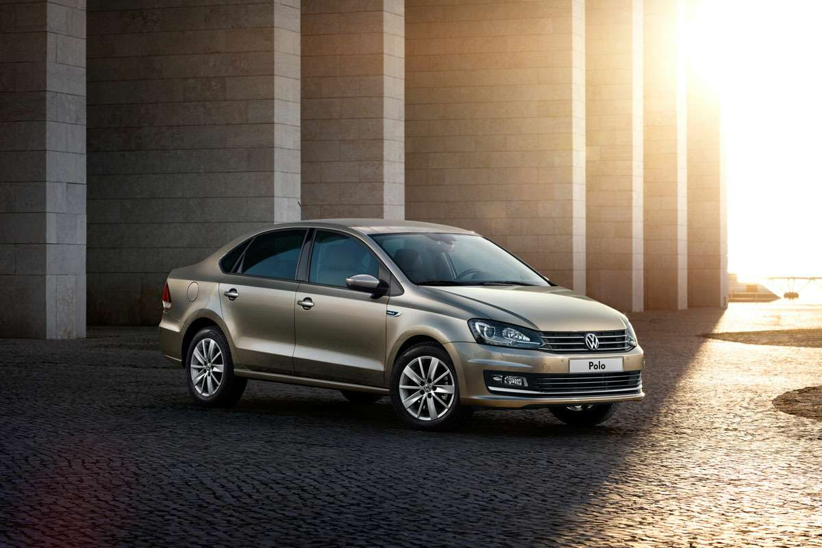 The_New_Volkswagen_Polo_(1)