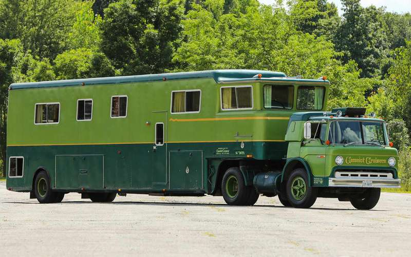 Жилая фура— редкий автодом Camelot