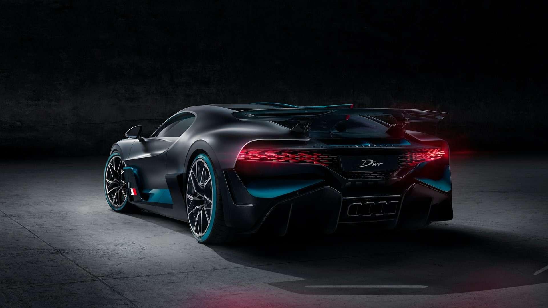 Bugatti Divo: настало время остановиться впогоне заскоростью имощностью?— фото 899247