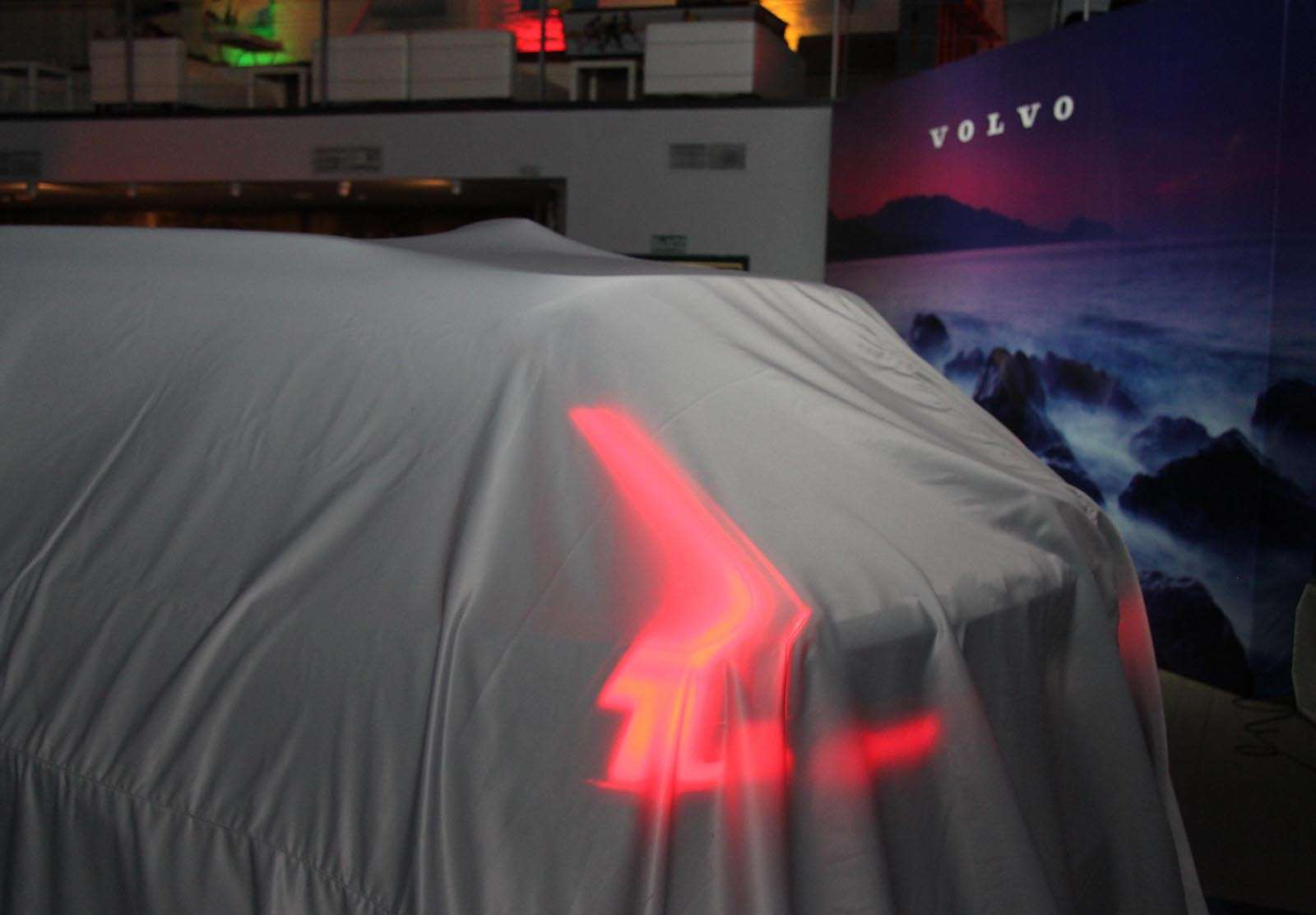 Volvo V90 Cross Country: старт российских продаж ирублевые цены— фото 674564