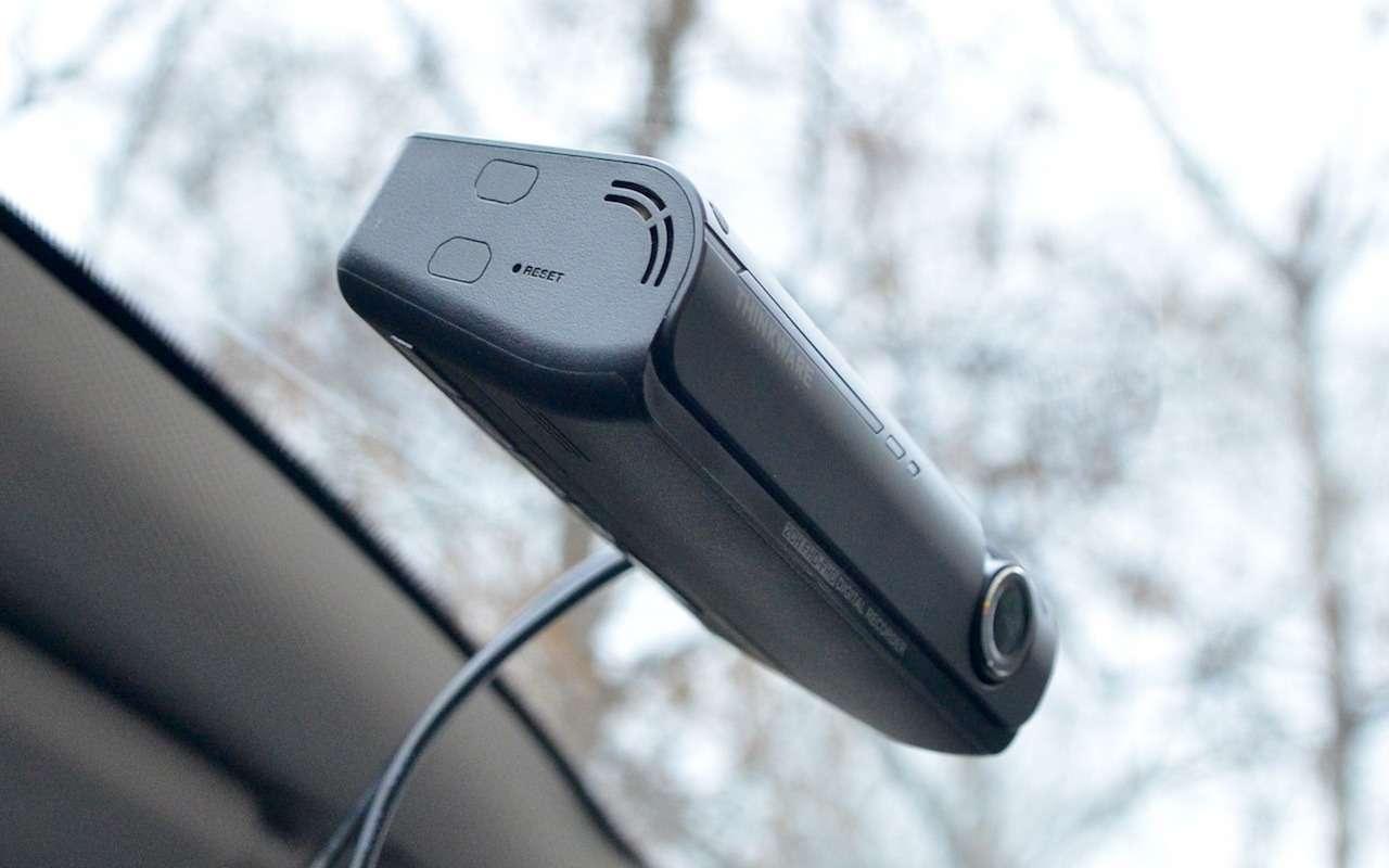 Супертест двухкамерных видеорегистраторов Full HD— фото 838478