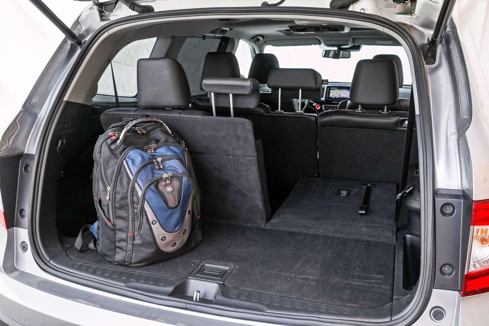 Тест полноразмерных кроссоверов: Honda Pilot, Kia Sorento Prime иFord Explorer— фото 614983