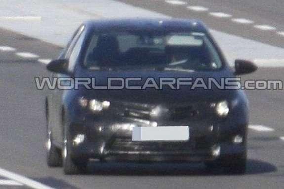 Toyota Auris test prototype front view