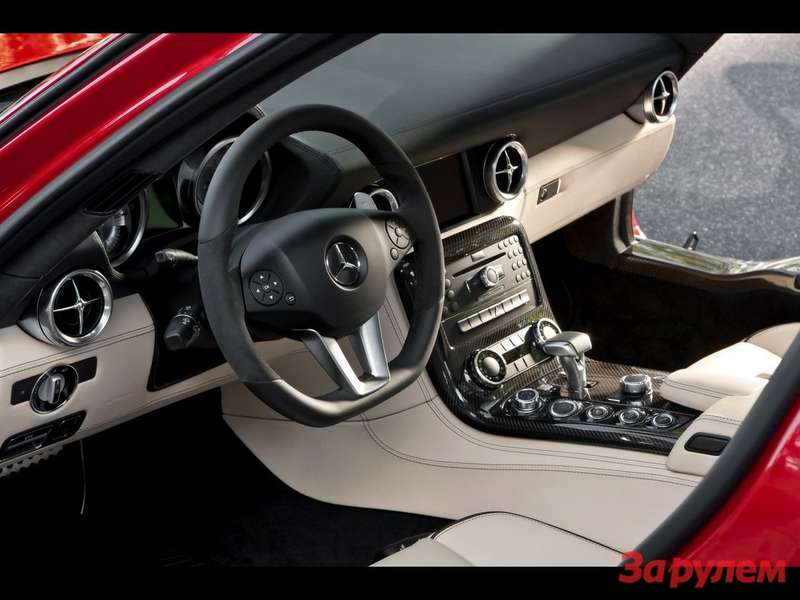 201004161818_2010_mercedes_benz_sls_amg_dashboard_1280x960