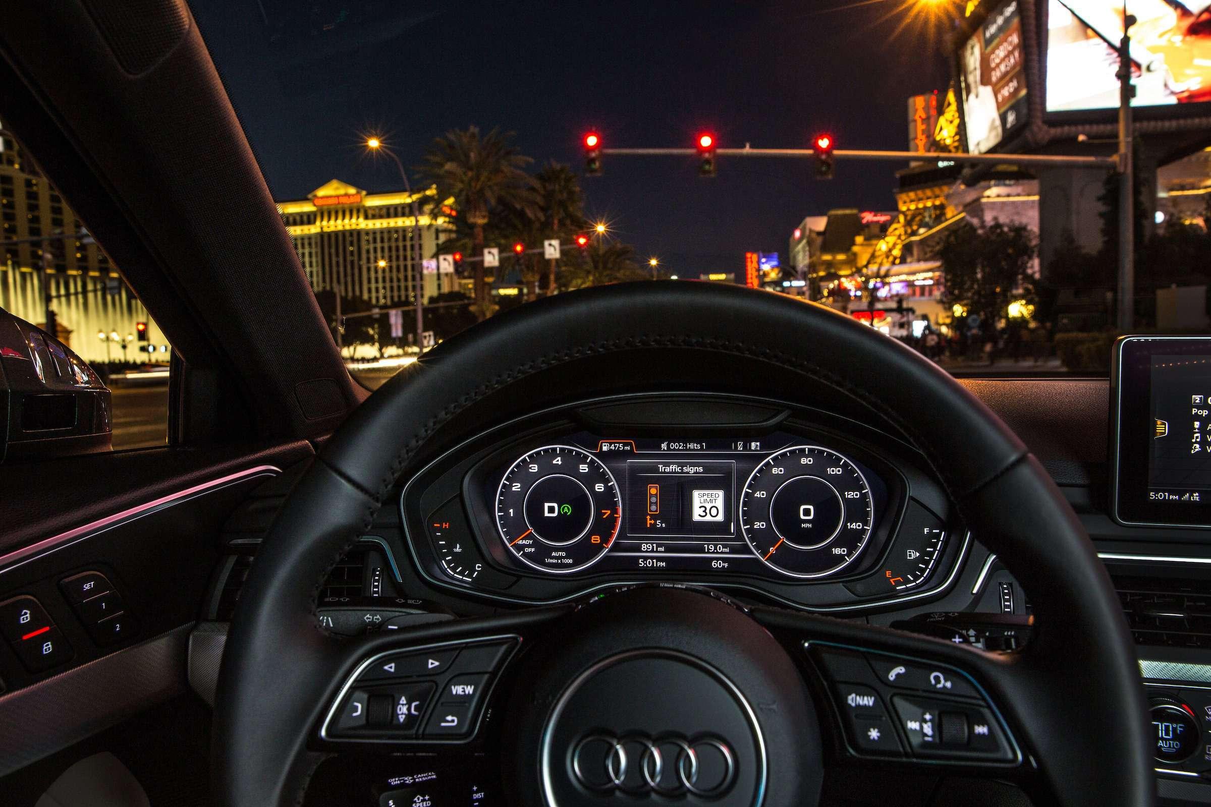 Audi знает осветофорах всё— фото 676061