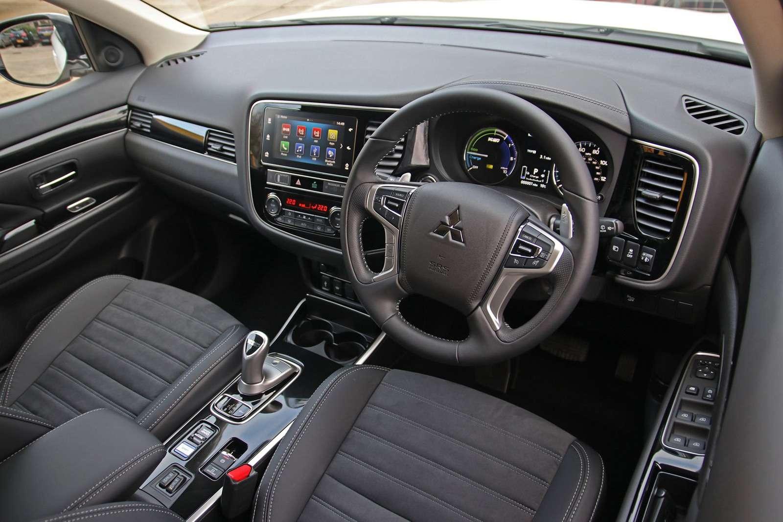 Mitsubishi Outlander получил дешевую двухместную версию— фото 948088