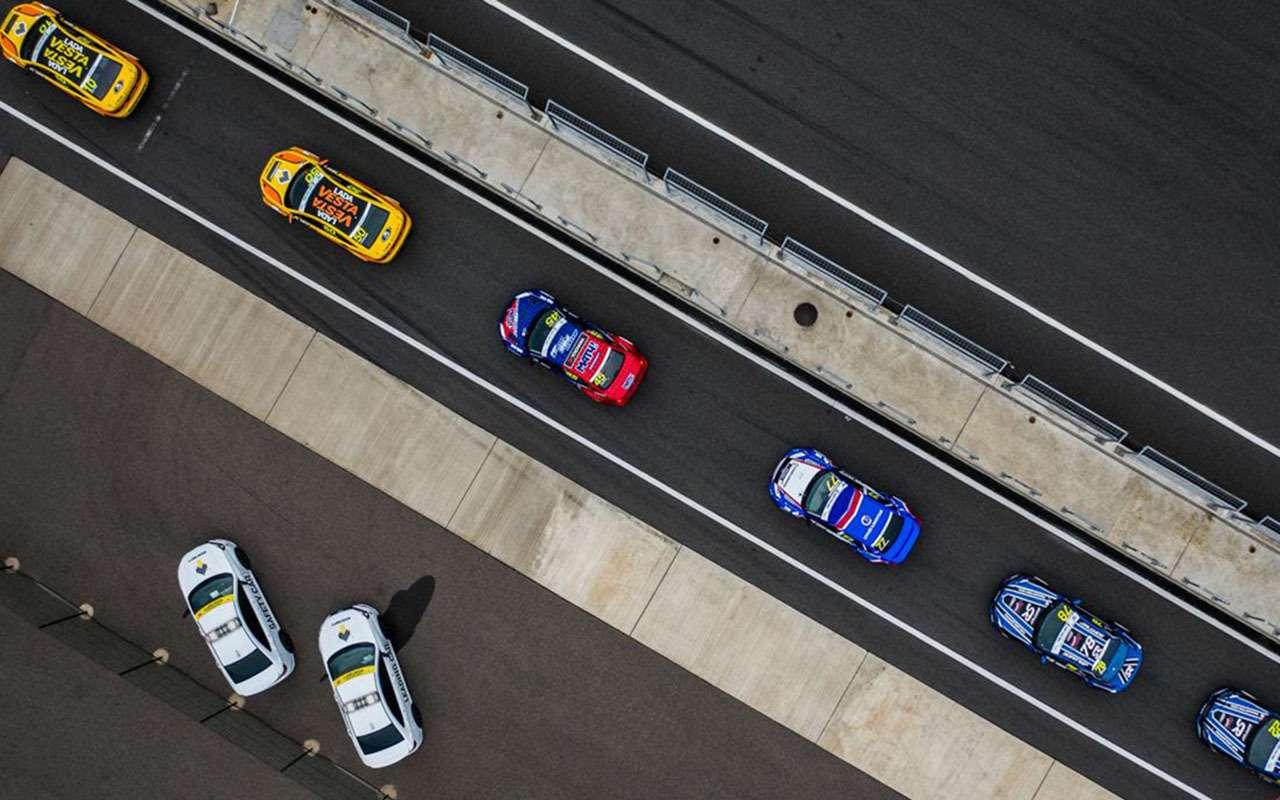 Рисковая стратегия икомандные игры: как наMoscow Raceway решалась судьба побед СМП РСКГ— фото 993251