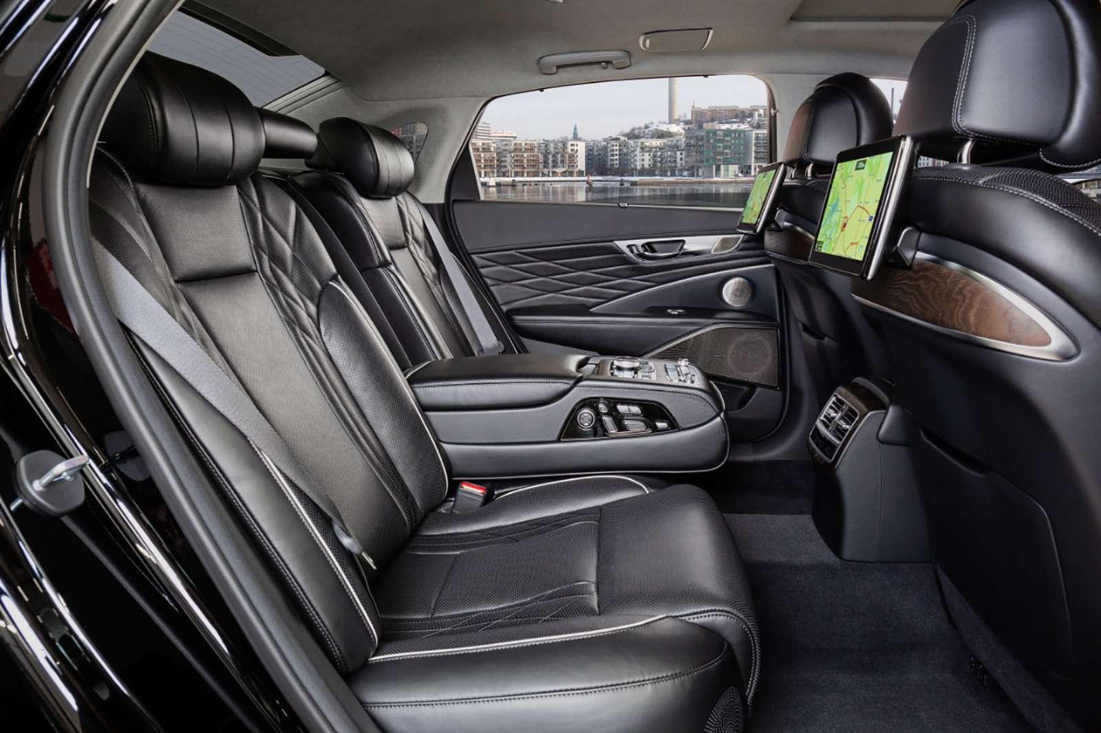 Kiaназвала российские цены нафлагманский седан K900— фото 946140