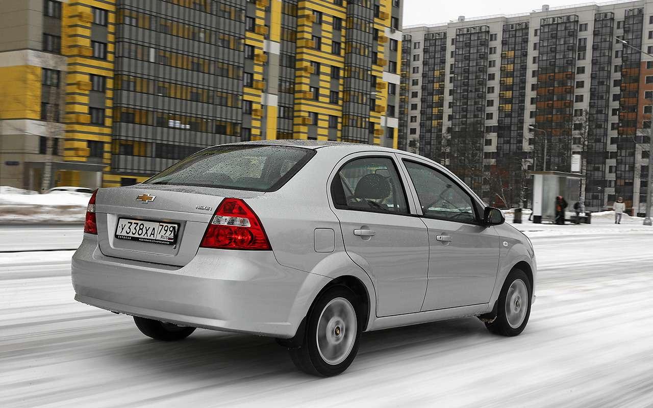 Renault Logan против Chevrolet Nexia: тест самых доступных иномарок— фото 1233460