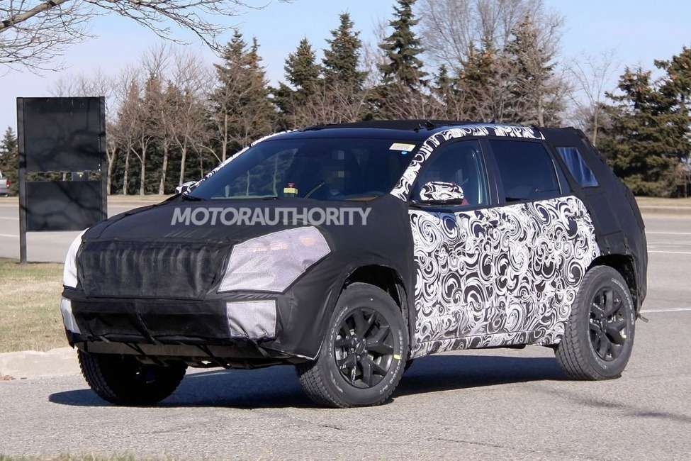 New Jeep Cherokee test prototype side-front view_no_copyright