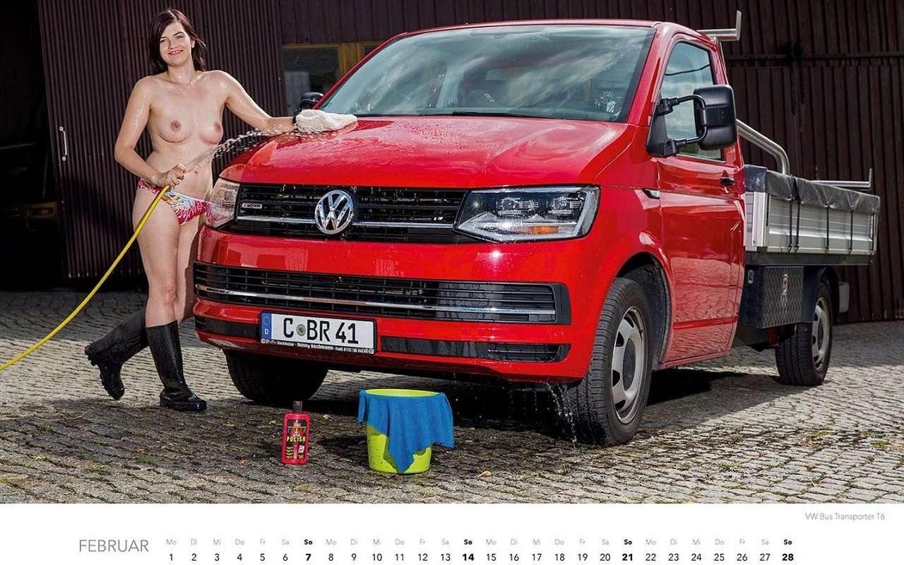 Девушки наавтомойке— пожалуй, лучший календарь 2021 года— фото 1203381