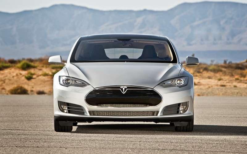 no copyright 2013 Tesla Model S