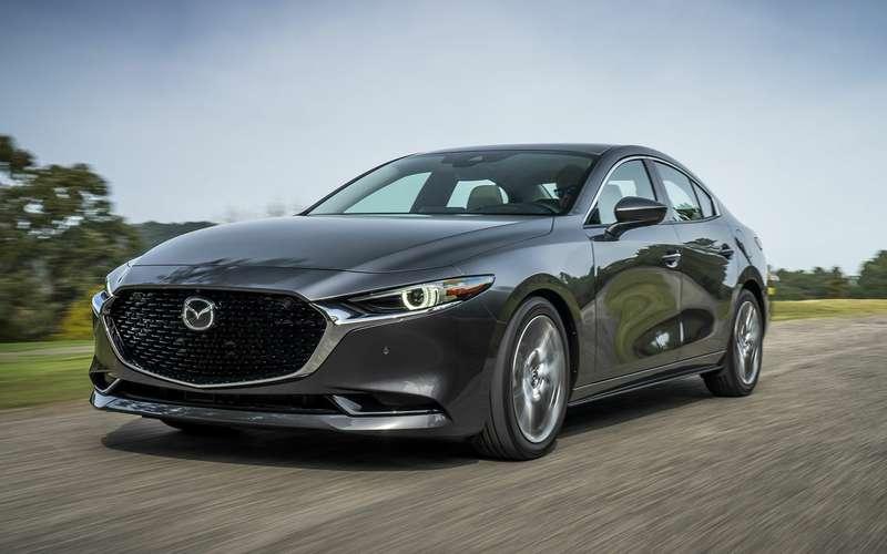 Названа дата начала продаж седана Mazda 3