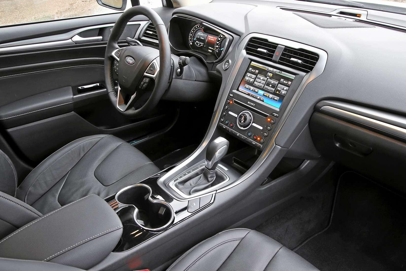 Тест Ford Mondeo ссамым мощным мотором: кому «все включено»?— фото 571858
