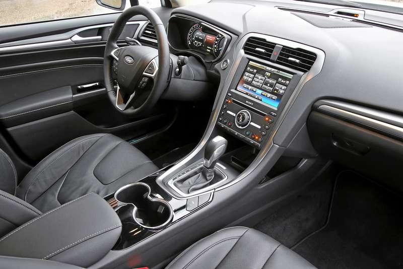 Тест Ford Mondeo ссамым мощным мотором: кому «все включено»?