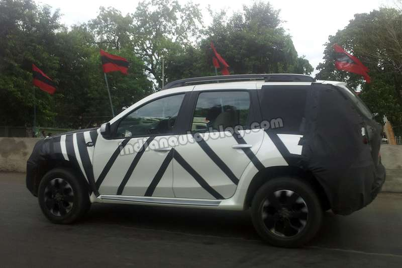 Nissan Terrano side view spyshot no copyright