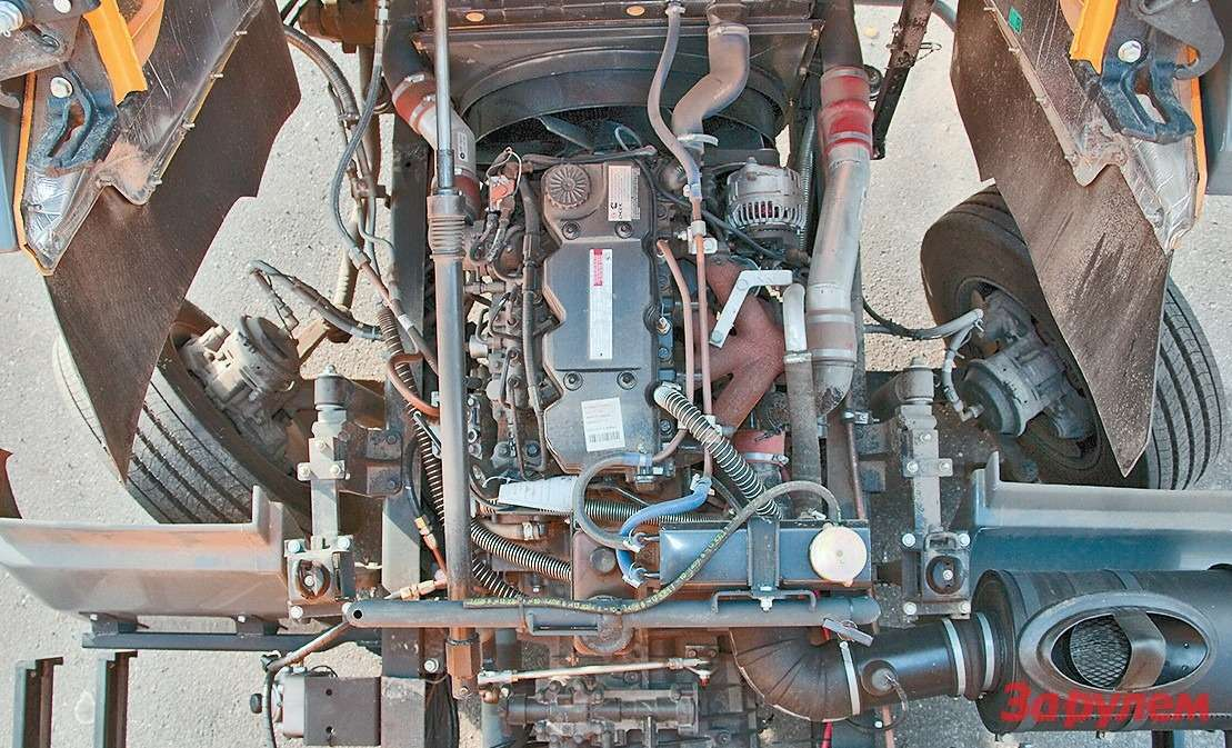 Мотор весит около 380кг