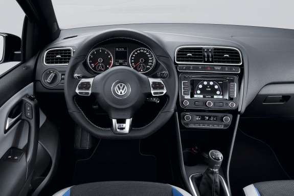 Volkswagen Polo BlueGT inside