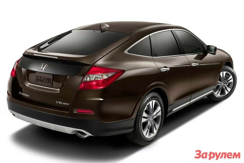 2013 MY Honda Crosstour side-rear view