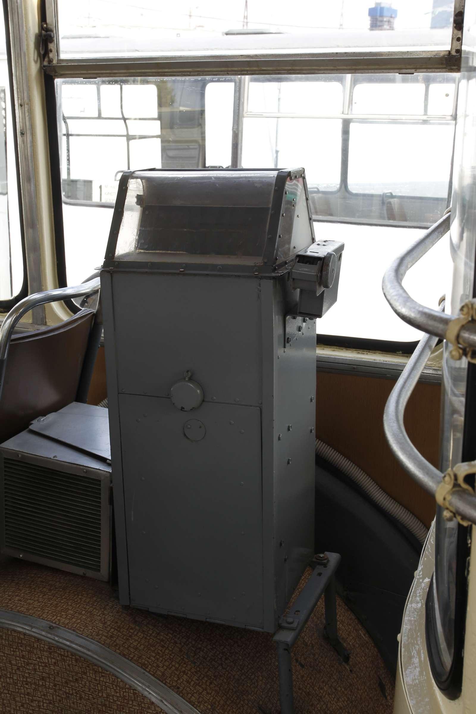 Автобусы нашего детства— выставка пассажирского транспорта— фото 792623
