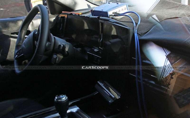 Обновленный Renault Kadjar: удалось заглянуть вего салон