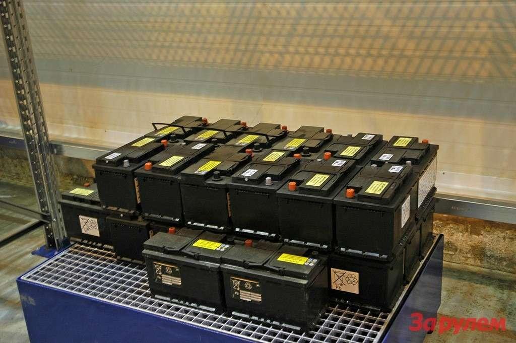 Технология хранения аккумуляторов. При протечке едкий электролит уйдет вспецемкость.