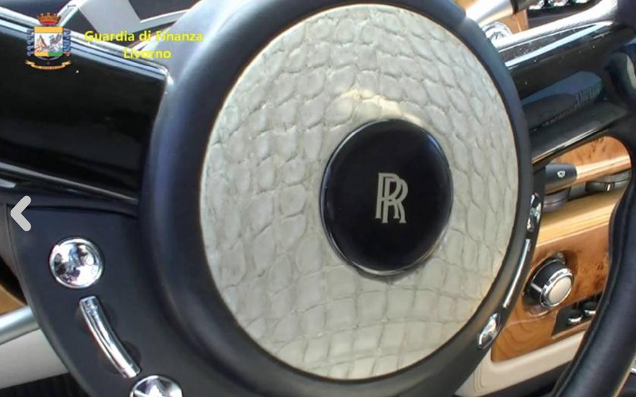 В Италии арестован Rolls-Royce изРоссии— заобивку кожей редкого крокодила— фото 1249227