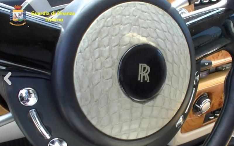 ВИталии арестован Rolls-Royce изРоссии— заобивку кожей редкого крокодила