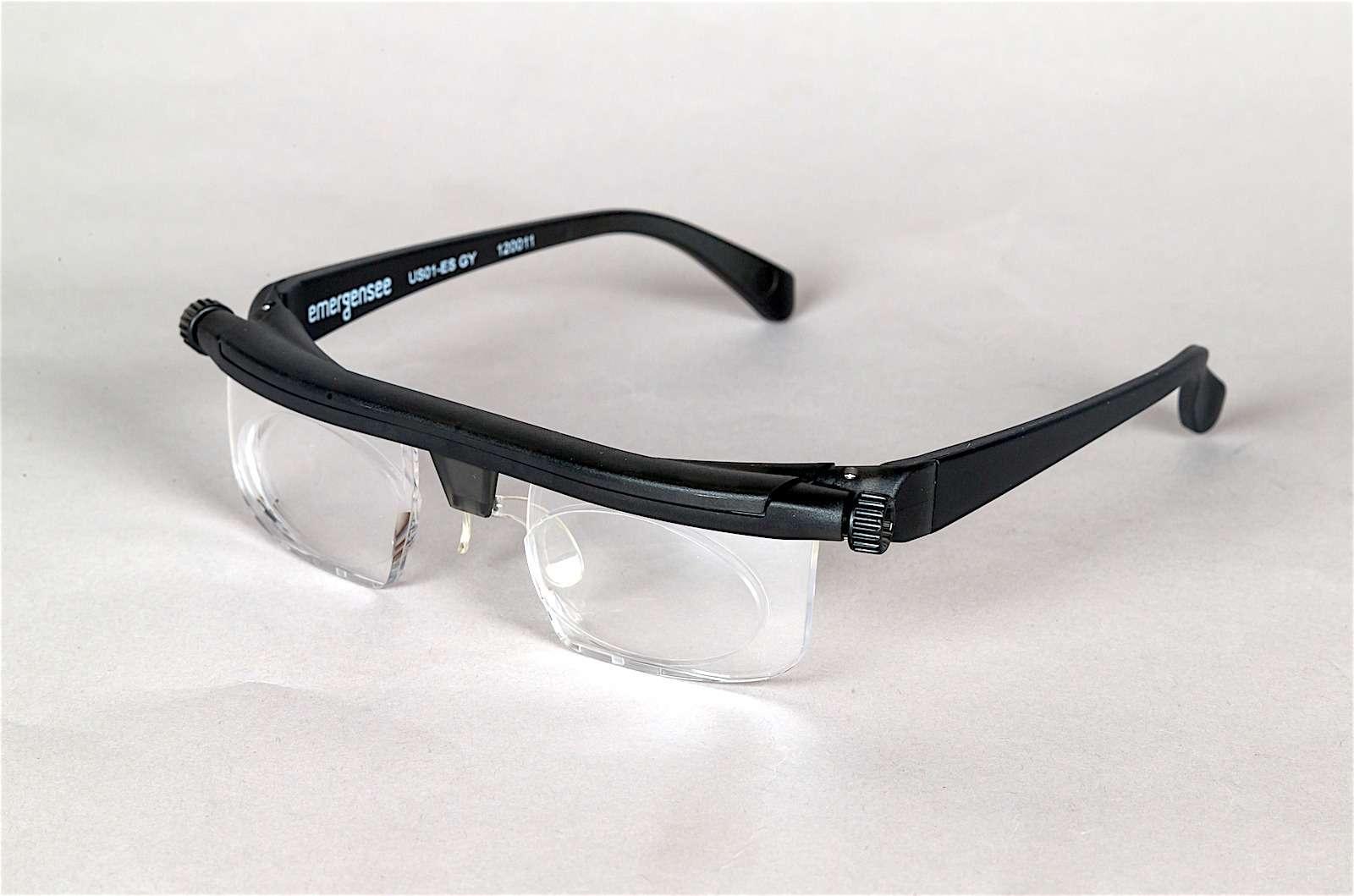 Регулируемые очки Adlens Emergensee: игрушка или полезная вещица дляводителей?— фото 586445