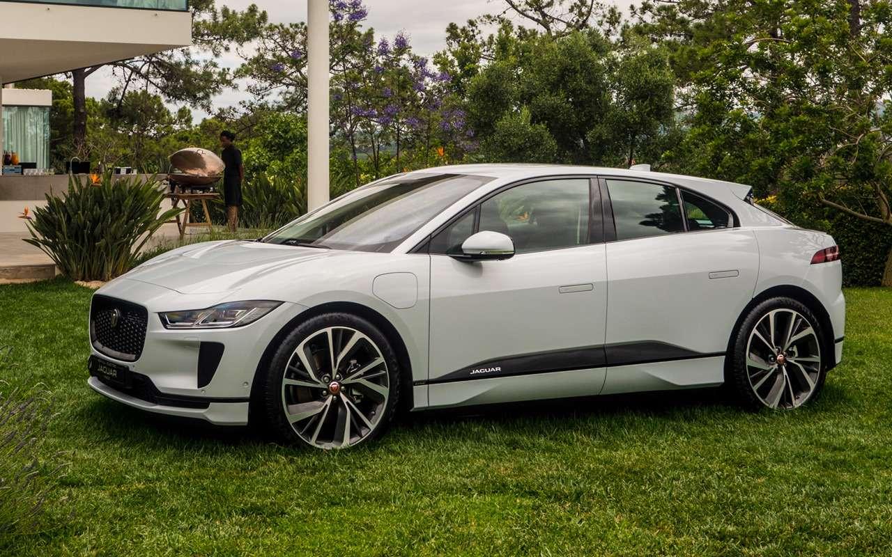 5 потенциальных автомобилей нового Джеймса Бонда— фото 922408