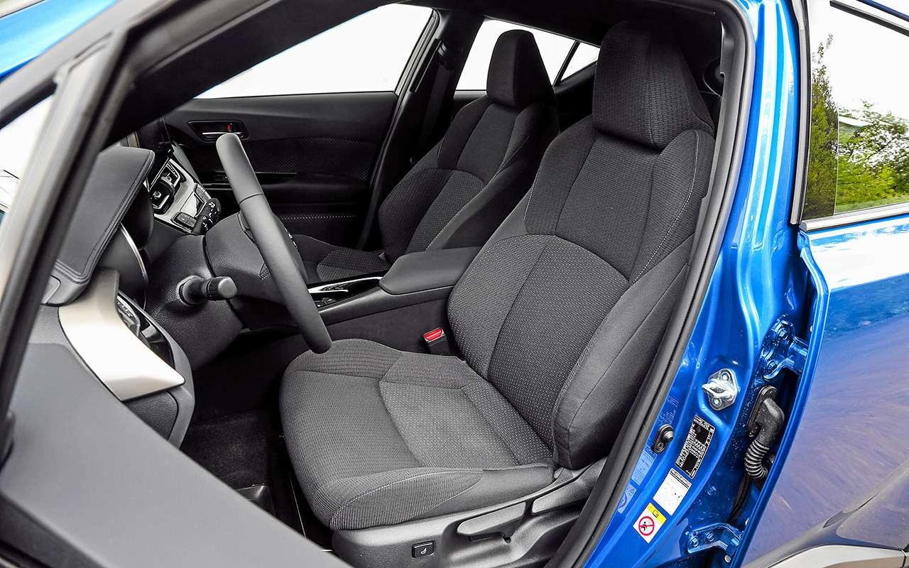 Toyota C-HR против других японских кроссоверов— большой тест-драйв— фото 902405