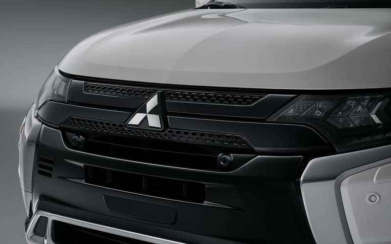 Обновленный Mitsubishi Outlander— начало продаж ицены