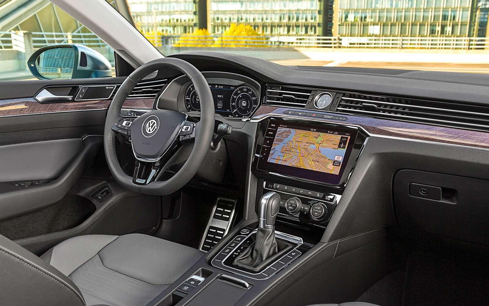 Volkswagen Arteon— первый тест-драйв— фото 768779