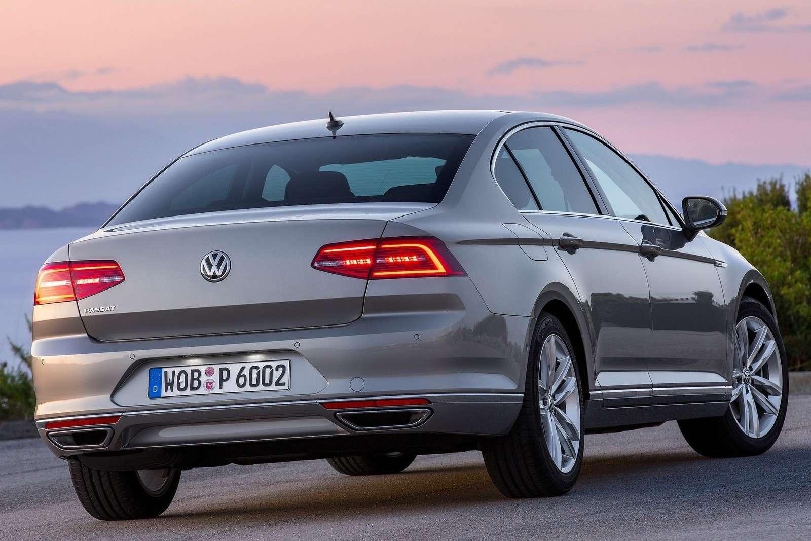Volkswagen-Passat_2015_1600x1200_wallpaper_13