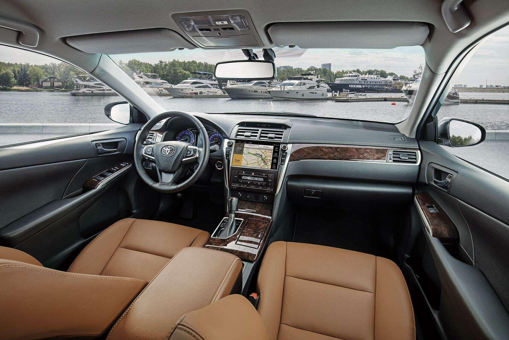 Эксклюзивная наша Камри: Toyota представила седан длягаджетоманов— фото 614338