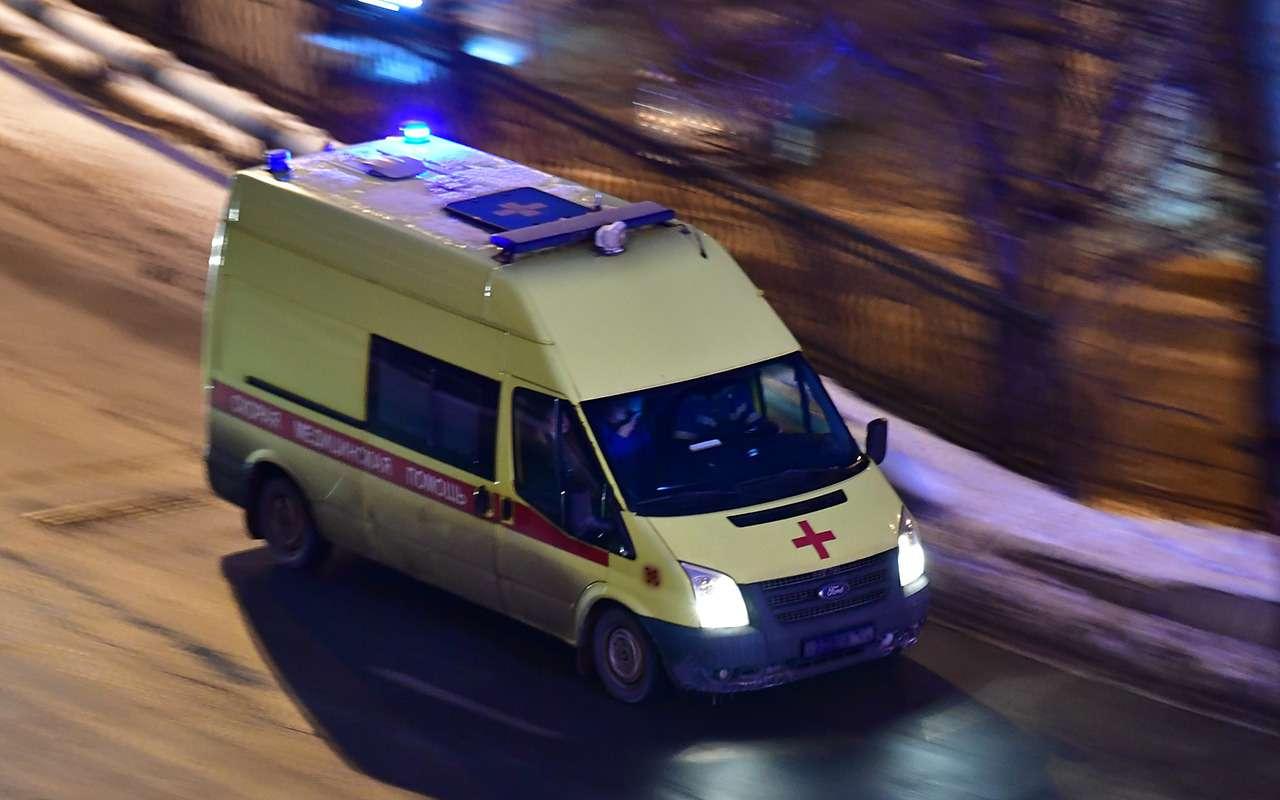 Женщина выжила ваварии, ночерез несколько минут погибла вДТП соскорой— фото 1055224